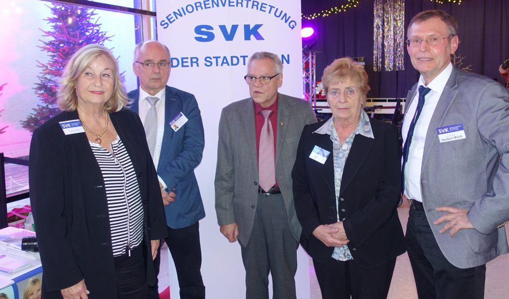 Das Foto zeigt die Mitglieder der Köln-Mülheimer Seniorenvertretung (von links: Sigrid Buchholz, Herbert Schumachers, Kurt Alexius, Karin Scherer, Dr. Herbert Mück)